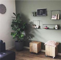 15 tinten groen voor op je muur - Makeover.nl Living Room Green, Home Living Room, Living Room Decor, Paint Combinations, Home Remodeling, Sweet Home, New Homes, House Design, Interior Design