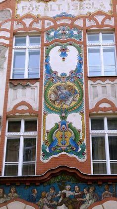 Dob utca Primary School 1906 ~ Budapest, Hungary ~ Architect: Armin Hegedus City Architecture, Amazing Architecture, Architecture Details, Art Nouveau Arquitectura, Beau Site, Central And Eastern Europe, Academic Art, Farm Art, Art Thou