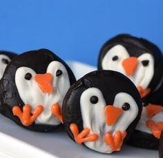 Gourmet Mom on-the-Go: Penguin Oreo Valentines