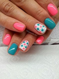 Nail art is a very popular trend these days and every woman you meet seems to have beautiful nails. It used to be that women would just go get a manicure or pedicure to get their nails trimmed and shaped with just a few coats of plain nail polish. Fancy Nails, Diy Nails, Cute Nails, Teal Nails, Turquoise Toe Nails, Teal Nail Art, Cheetah Nails, Dot Nail Art, Nagellack Design