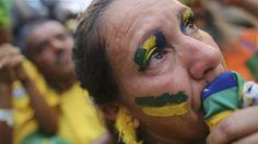 O Brasil perdeu com Copa do Mundo, dizem institutos. O estudo concluiu que cidades-sede aumentaram suas dívidas e o estado foi obrigado a arcar com parte importante dos custos