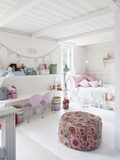 Great idea for a girl bedroom...separate two beds with a desk in between