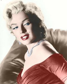 marilyn monroe with red lips, Darker dress, and a Golden necklace. *Colorization* Feel free to add this picture to you're own marilyn monroe collection. Marylin Monroe, Marilyn Monroe Photos, Divas, Joe Dimaggio, Portraits, Norma Jeane, Vintage Hollywood, Classic Hollywood, Most Beautiful Women