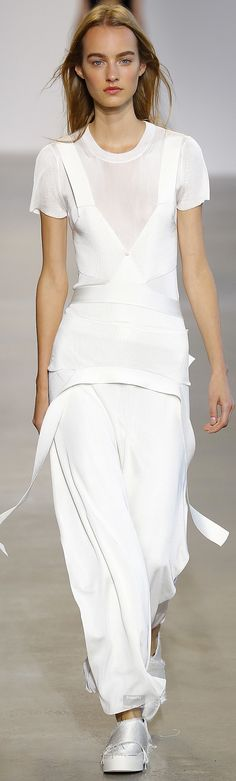 Calvin Klein Collection Spring 2016 Ready-to-Wear
