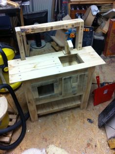 Toy Kitchen from Pallet Wood