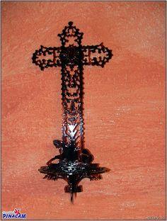 Cruz labrada imitacion concha. www.manualidadespinacam.com #manualidades #pinacam #acetatos #concha #nacar #carey