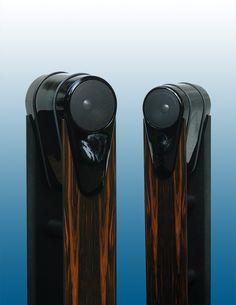 VP160A - mit Aufpreisoption: High-Gloss Black Sonderlackierung und Ständer mit Edelholzfurnier.