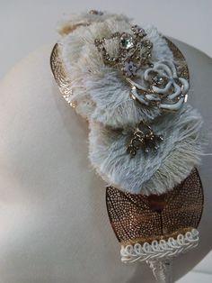 Tocado de novia Napkin Rings, Home Decor, Templates, Bridal Headpieces, Grooms, Interior Design, Home Interior Design, Napkin Holders, Home Decoration