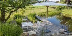 Schwimmteich selber bauen #DIY #Schwimmteich #doityourself #natural #swimmingpond #Holzdeck #wooden deck Frozen Invitations, Salamander, Patio, Garden, Outdoor Decor, Home Decor, Future, Portrait, Blog