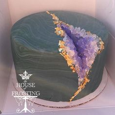 Many individuals don't think about going into company when they begin cake decorating. Many folks begin a house cake decorating com Gorgeous Cakes, Pretty Cakes, Amazing Cakes, Cupcakes, Cupcake Cakes, Crazy Cakes, Cake Decorating Designs, Cake Designs, Unique Cakes