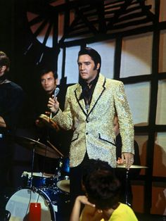 1968 Elvis Presley - The Gold Jacket In This Scene Was Tribute To The Gold Lame Outfit Elvis Wore Early In His Career.