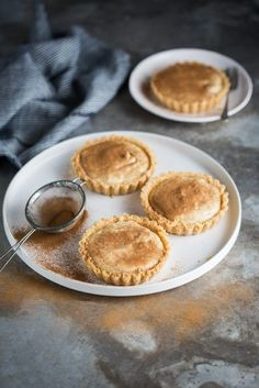 A classic South African unbaked milk tart - tterreble - African Food South African Desserts, South African Dishes, South African Recipes, Tart Recipes, Sweet Recipes, Baking Recipes, Dessert Recipes, Oven Recipes, Curry Recipes