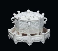 An octagonal Blanc de Chine porcelain Marco Polo censer with small Blanc de Chine porcelain plate, Dehua, Qing
