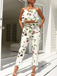 2018 New Women Stylish Flounced Spaghetti Strap Floral Harness Tops Cropped Pantsuit Summer Fashion Chic Outfits, Summer Outfits, Fashion Outfits, Womens Fashion, Fashion Clothes, Denim Romper, Romper Dress, Rompers Women, Jumpsuits For Women