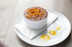 mus czekoladowy z sosem imbirowo-pomarańczowym // mousse au chocolat with gingery orange sauce by monikamotor.com