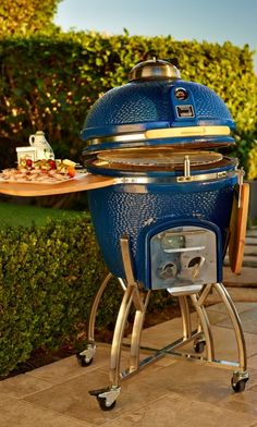 The Kamado's superior dual-wall, insulated ceramic construction circulates charcoal heat more efficiently than other grills for faster, more even cooking.