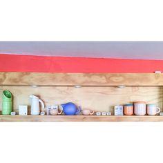 Nuestras piezas volaron a nuestra querida Bogotá y ya podéis ir a verlas a @brincabrinca, una tienda que mola mogollón! Hay un montón de cosas increíbles, y las nuestras llegaron para quedarse!  #tánata #cerámica #bogotá #brincabrinca #colores #diseño #quenosvolvemosinternacionales