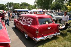 Even classic cars owners are sporting their cars with the Coca-Cola brand to competitively compete with other visible social constructs. Coca Cola History, World Of Coca Cola, Classic Hot Rod, Classic Cars, Pepsi, Coke, Coca Cola Brands, Chevy Nomad, Always Coca Cola