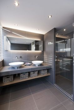 Browse modern bathroom ideas images to bathroom remodel, bathroom tile ideas, bathroom vanity, bathroom inspiration for your bathrooms ideas and bathroom design Read Grey Bathrooms, Bathroom Renos, Bathroom Layout, Bathroom Interior Design, Beautiful Bathrooms, Modern Bathroom, Small Bathroom, Bathroom Black, Bathroom Ideas