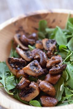 Garlic Mushroom Salad with Arugula and Wild Rice | mountainmamacooks.com