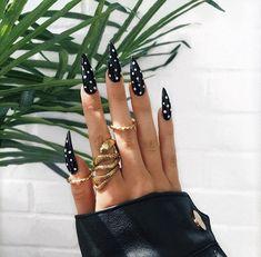 Make an original manicure for Valentine's Day - My Nails Nail Design Stiletto, Nail Design Glitter, White Stiletto Nails, Leopard Nails, Gorgeous Nails, Pretty Nails, Hair And Nails, My Nails, Witchy Nails