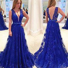 Boa Noite !  com esse vestido Maravilhoso!  Siga também ➡ @super.luxuosas  #vestidosdefesta #vestidoslongos #vestidosfestax #vestidofestax #formatura #engenharia #psicologia #instacomment #promdresses #amovestidos #instavestidos #instadress #madrinhadecasamento #vestidoazul #likes #boanoitee #goodnight #night