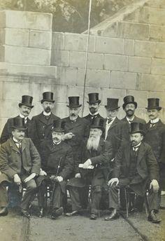 Group portrait of Victorian gentleman, Great Top Hats! Victorian Gentleman, Vintage Gentleman, Victorian Life, Human Pictures, Old Pictures, Old Photos, Belle Epoque, Vintage Photographs, Vintage Photos