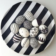 Black and white easter eggs - COVERT Accessories #DIYHomeDecorBlackAndWhite