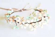 wire flowers- what about something like this for Asaka. Of course leaves instead of flowers, in green/brown/copper