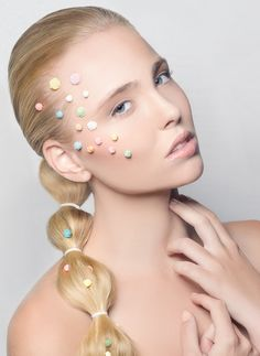 Coleta con pompones Drop Earrings, Color, Jewelry, Fashion, Pig Tails, Pom Poms, Hairdos, Moda, Jewlery