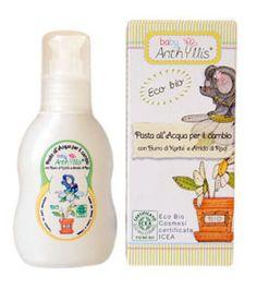 Crema pe baza de apa pentru pielea iritata a bebelusilor, din linia Eco Biologici Cosmesi, cu unt biologic de shea si amidon de orez, avand o actiune reparatoare asupra zonelor afectate. Gramaj 75 ml.