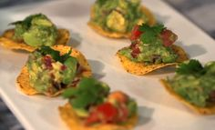 Don't these molcajete guacamole tostadas look delicious? Get the easy-to-follow recipe here!
