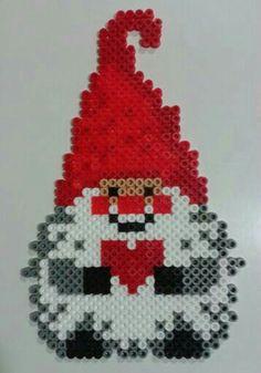 Christmas gnome hama beads by Juan José Prieto More Mehr Fuse Bead Patterns, Perler Patterns, Beading Patterns, Pearler Beads, Fuse Beads, Christmas Perler Beads, Christmas Crafts, Christmas Decorations, Christmas Gnome