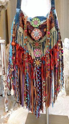 Women s fashion from the 1980 s estilo hippie chique, fring Mode Hippie, Bohemian Mode, Hippie Bohemian, Boho Gypsy, Hippie Shop, Bohemian Style, Hippie Purse, Hippie Bags, Boho Bags