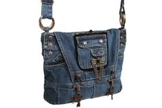Steampunk recyceltem Denim Tasche mit verstellbaren Kreuz Körper Armband. Klappe schließt Öffnung in Tasche mit insgesamt Stil Haken und hat
