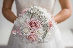 bouquet gioiello di rose bianche e rosa