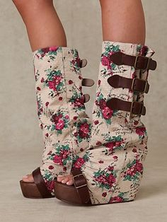 Floral Slouch Clog for-the-feminine-side