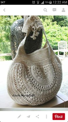 crochet – bag – like the half circle – The latest in Bohemian Fashion! These lit… crochet – bag – like the half circle – The latest in Bohemian Fashion! These literally go viral! Crochet Shell Stitch, Crochet Tote, Crochet Handbags, Crochet Purses, Love Crochet, Diy Crochet, Crochet Crafts, Crochet Projects, Purse Patterns