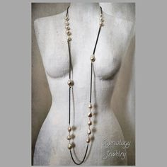 Black&White...... Go for it! Handmade by Capriology Jewelry.
