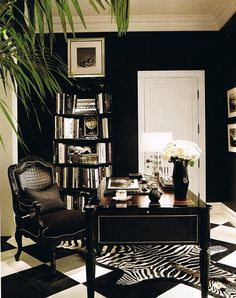 Chic Home Office; dramatic black and white floor and decor This room is great be… – Chic Home Office Design Home Office Space, Home Office Design, Home Office Decor, House Design, Home Decor, Office Ideas, Office Spaces, Office Designs, Office Style