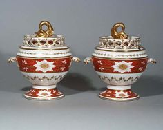 A pair of Chamberlain's Worcester orange ground sauce tureens and covers, c.1820