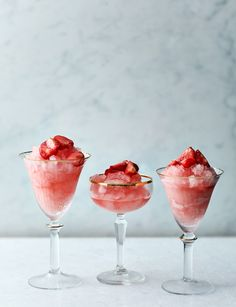 Think of our strawberry frosé recipe as the ultimate grown up slushy - our super-cool drink is a great party tipple for friends Yummy Drinks, Healthy Drinks, Yummy Food, My Favorite Food, Favorite Recipes, Ice Cream Recipes, Vegan Desserts, Sweet Recipes, Sweet Treats
