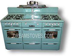 "1947 Roper ""Town & Country"" Double Oven Vintage Stove, in Robin's Egg Blue Porcelain Vintage Kitchen Appliances, Kitchen Stove, Diy Kitchen Decor, Kitchen Ideas, Antique Stove, Vintage Stoves, Turquoise Kitchen, Kitchen Remodel Cost, Antique Interior"
