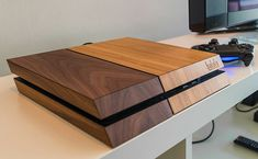PS4 wood edition