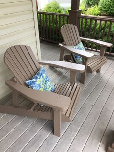John M. used our Adirondack chair templates and plan to build these beautiful deck chairs.