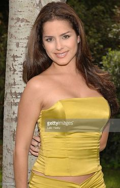 Danna García pictures and photos Good Woman, Pretty Woman, Amazing Women, Beautiful Women, Film Pictures, Photos, Mexican Actress, Gorgeous Body, Mellow Yellow