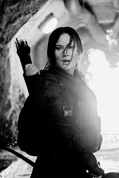 71 days Jennifer Lawrence as Katniss Everdeen - Mockingjay Part 2 The Hunger Games, Hunger Games Mockingjay, Mockingjay Part 2, Hunger Games Catching Fire, Hunger Games Trilogy, Katniss Everdeen, Katniss And Peeta, Jennifer Lawrence, I Volunteer As Tribute