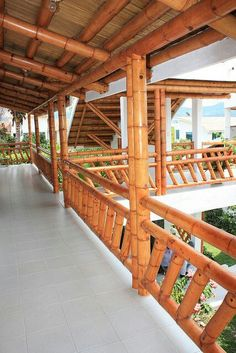 Home Appliances Cedar Rapids Bamboo Art, Bamboo Crafts, Bamboo Fence, Bamboo Building, Natural Building, Casa Bunker, Bungalow, Bamboo House Design, Bamboo Structure