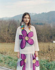 Christopher Kane Pre-Fall 2017 Collection Photos - Vogue