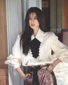 Han Hyo Joo for Harper's Bazaar Korea September Photographed by Ahn Joo Young Han Hyo Joo Fashion, Asian Woman, Asian Girl, Bh Entertainment, Star Fashion, Girl Fashion, Joo Sang Wook, Kpop Outfits, Actors